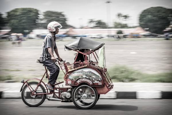 Motorised becak